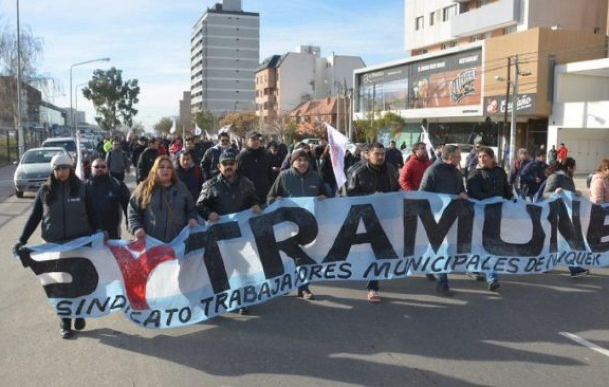 Concejales le piden al intendente de Neuquén que reabra las paritarias municipales