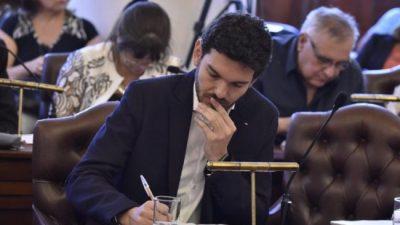 """Le aceptaron el """"descanso"""" al concejal del PRO en Paraná, Emanuel Gainza"""