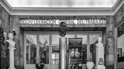 """Un avance contrario a la emancipación"""