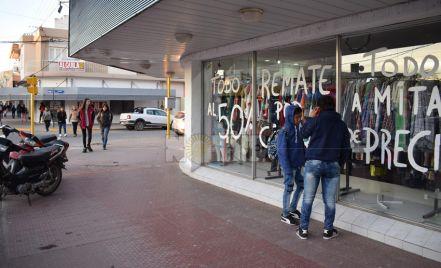 Cierran cada vez más locales comerciales en el microcentro de Roque Saenz peña