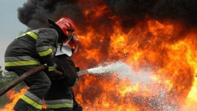 El massismo en contra del desfinanciamiento de los Bomberos Voluntarios en el país