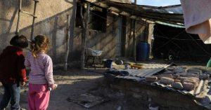 El 54% de los chicos del Conurbano es pobre y uno de cada tres se alimenta en comedores escolares