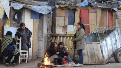 """La UCA advierte con un semestre """"difícil"""" que """"profundizará"""" la pobreza e indigencia"""