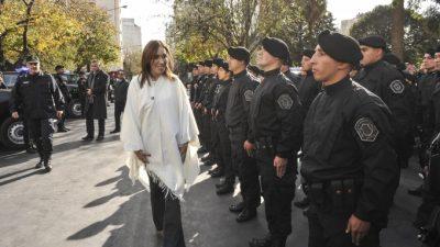 Por presión de los intendentes, Seguridad saca a las calles del Conurbano 12 mil policías