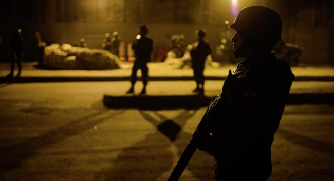 Temer en jaque: los militares creen innecesario continuar la intervención en Río de Janeiro