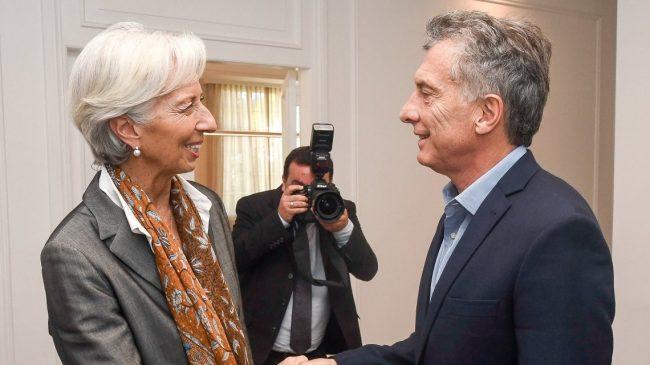 Más ajuste para bajar el déficit: los principales puntos del documento de los técnicos del FMI