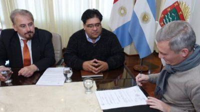 Carlos Paz: Avilés repite la estrategia y pasa contratados a planta en año electoral