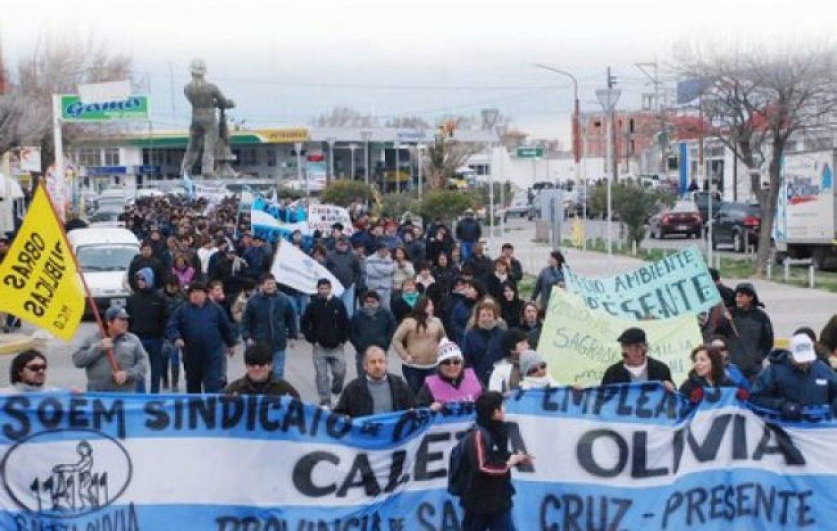 Contra las sumas en negro, los municipales de Caleta Olivia retomaron el paro