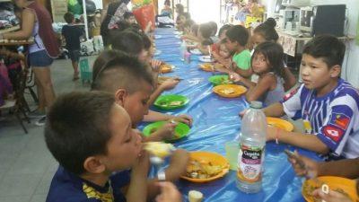 Ya son 600 los chicos que se alimentan en los comedores barriales de Florencia, Santa Fe