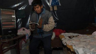 El 'lado B' de las nevadas: familias con frío en casas de madera y nylon de Mendoza