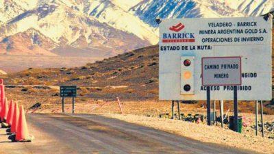 Ordenan análisis de sangre y orina a la población de Jáchal por la mina de la Barrick Gold