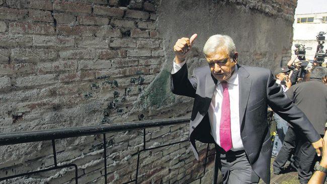 López Obrador reduce su futuro salario