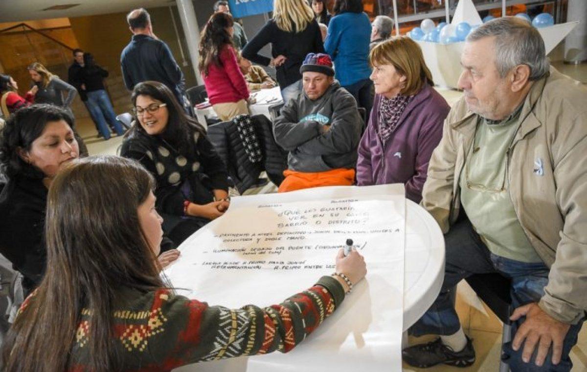 Rosarinos de todos los barrios debatieron propuestas para la ciudad