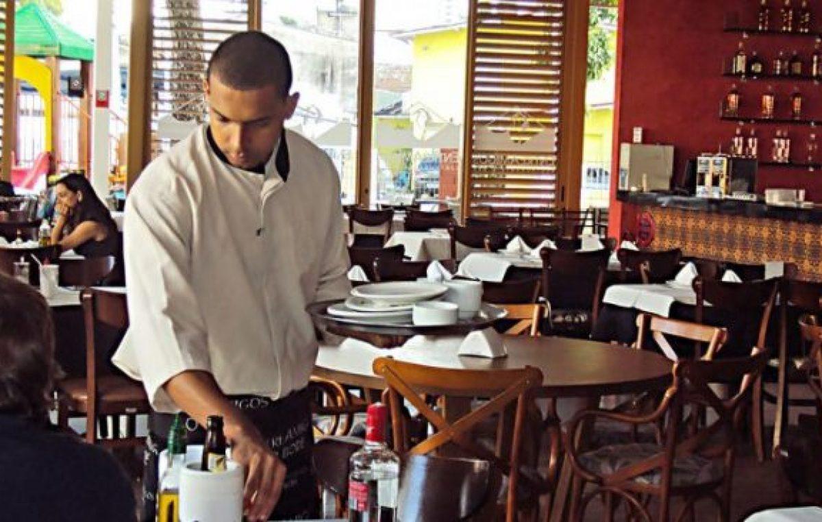 Los gastronómicos neuquinos la reman contra la corriente