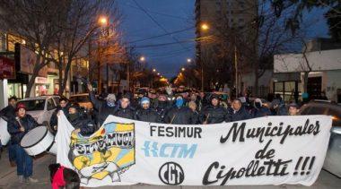 Cipolletti: Suspendieron a 40 municipales y crece la tensión