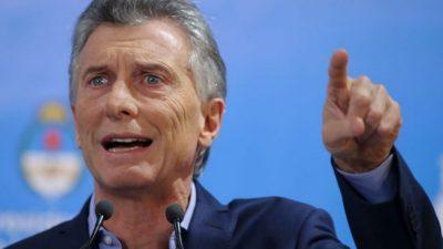 Macri quema su libreto