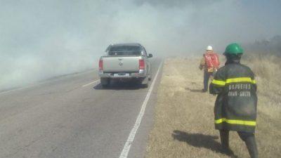 Salta: Bomberos sin recursos: apagan el fuego con botellas descartables