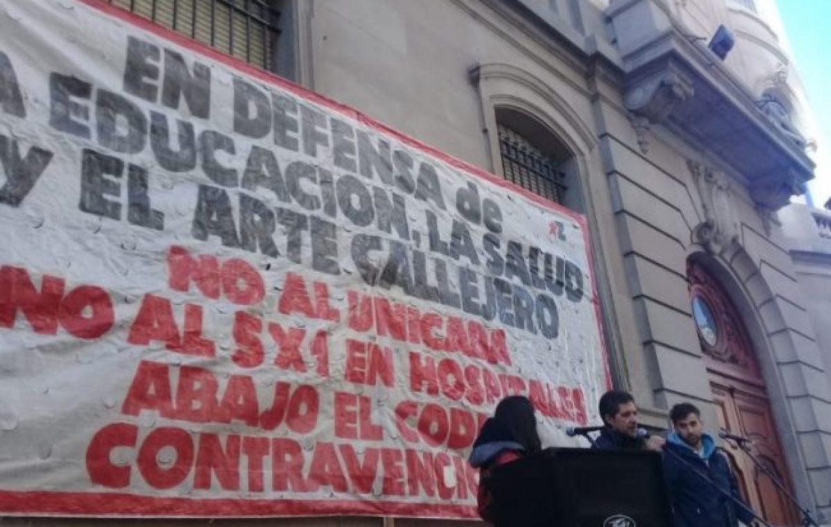 Masiva movilización a la Legislatura contra proyectos de Larreta