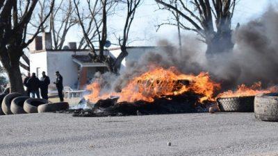 Crisis en Maciel: Municipales de paro, críticas e intervención provincial