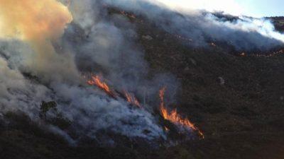 Imputan al intendente de Capilla del Monte por el incendio forestal