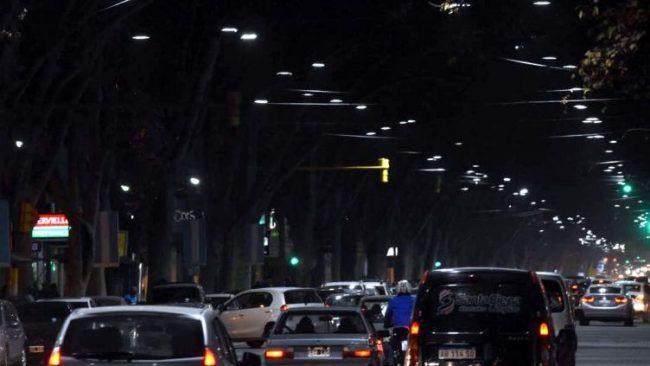Los municipios mendocinos fijarán el valor de la tasa por alumbrado público