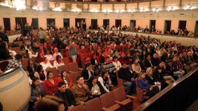 Finalizaron sus estudios secundarios 47 trabajadores municipales de Paraná