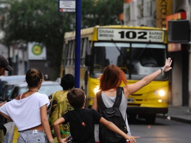 Rosario: En casi medio siglo nunca viajaron tan pocos pasajeros en ómnibus urbanos