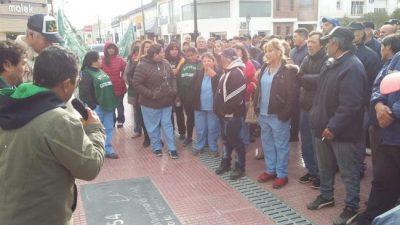 Patagones: los trabajadores municipales marcharon por la ciudad y esperan una nueva oferta
