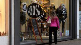 Golpe de gracia al comercio: las ventas minoristas se derrumbaron un 11,2% en agosto