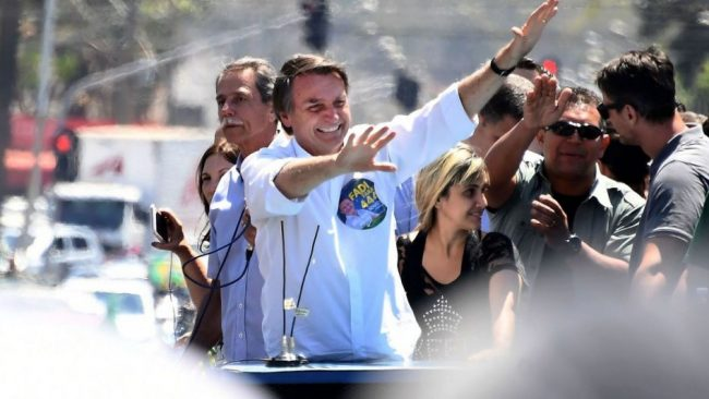 """Bolsonaro prometió privatizar """"gran parte"""" de las empresas de Brasil"""