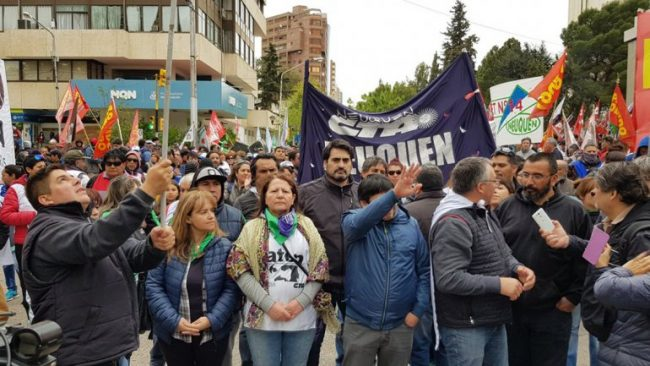 Neuquén: Los gremios marcharon en repudio a la reforma jubilatoria de los municipales