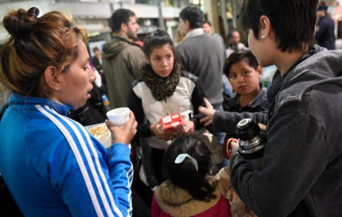 Ante el aumento de gente en la calle rosarina, piden reabrir el refugio municipal