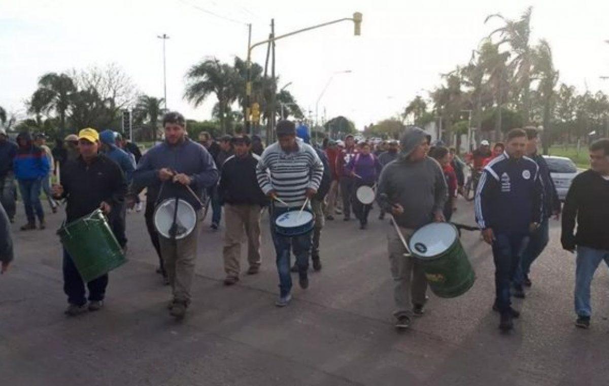 Municipales de San Genaro siguen de paro
