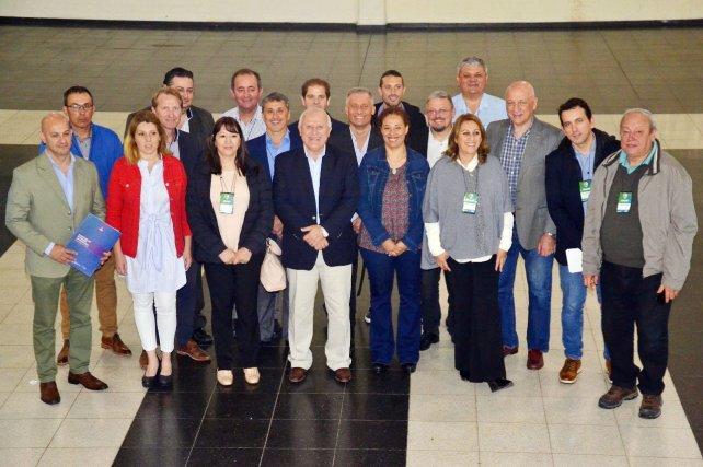 Lifschitz y Bonfatti reunieron 40 intendentes progresistas