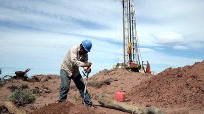 Petroleros: no les alcanza con precarizar, ahora impusieron un «acuerdo antihuelgas»