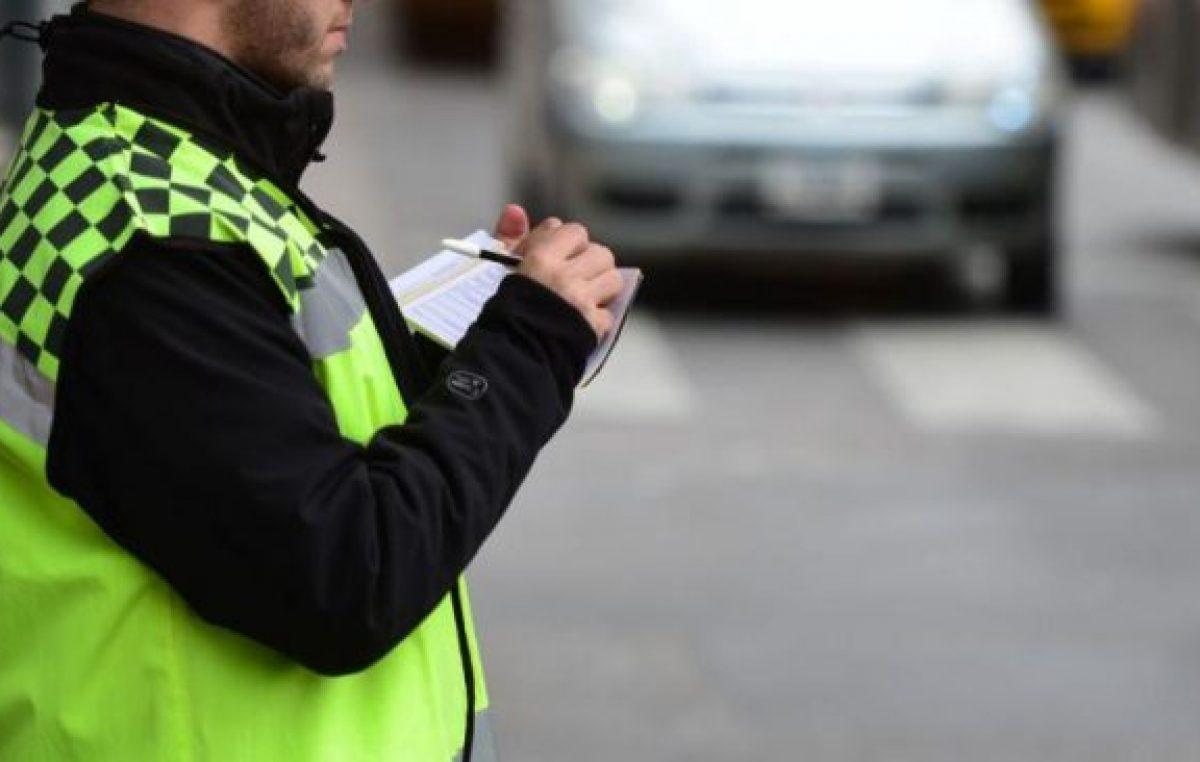 Córdoba: 230 funcionarios deben $ 3 millones en multas e impuestos de los autos