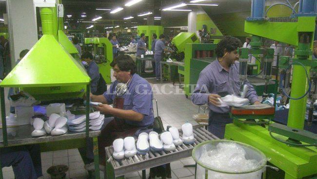 Ex obreros de Alpargatas piden ser reinsertados en comunas y municipios