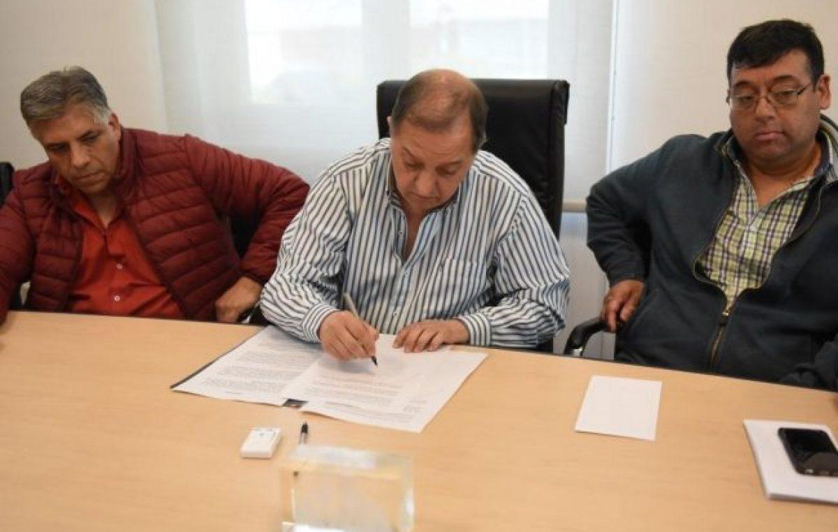 Municipales de Comodoro acordaron aumento anual del 31% y bono de fin de año