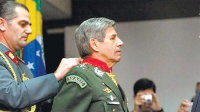 Un gabinete brasileño color verde militar