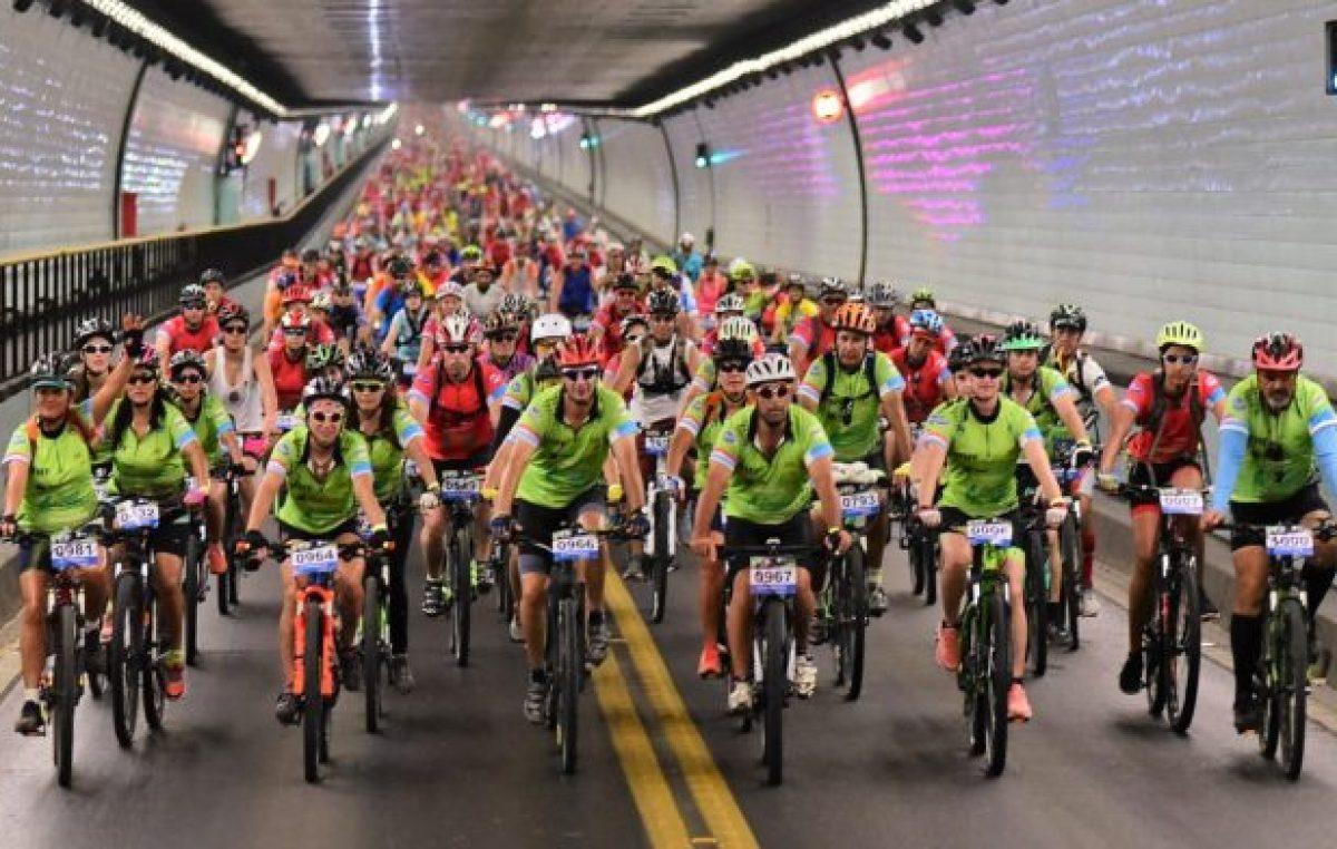 """1300 ciclistas participaron de la séptima edición del """"Cruce del Túnel Subfluvial"""""""
