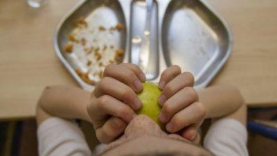 Docentes de Buenos Aires alertan que los alumnos comen sólo un turrón en toda la jornada escolar