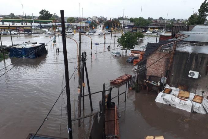 Buenos Aires: El diluvio que los dejó inundados y a ciegas