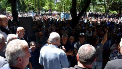 Mar del Plata: los municipales tensan el conflicto y levantan una carpa blanca frente al municipio