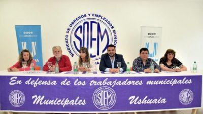 El intendente de Ushuaia hizo entrega de 32 decretos de adjudicación a los afiliados al SOEM