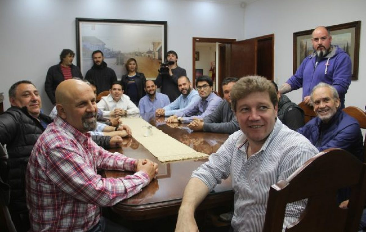 Río Grande: El Intendente anunció la recategorización de 200 trabajadores municipales sin pérdida de antigüedad