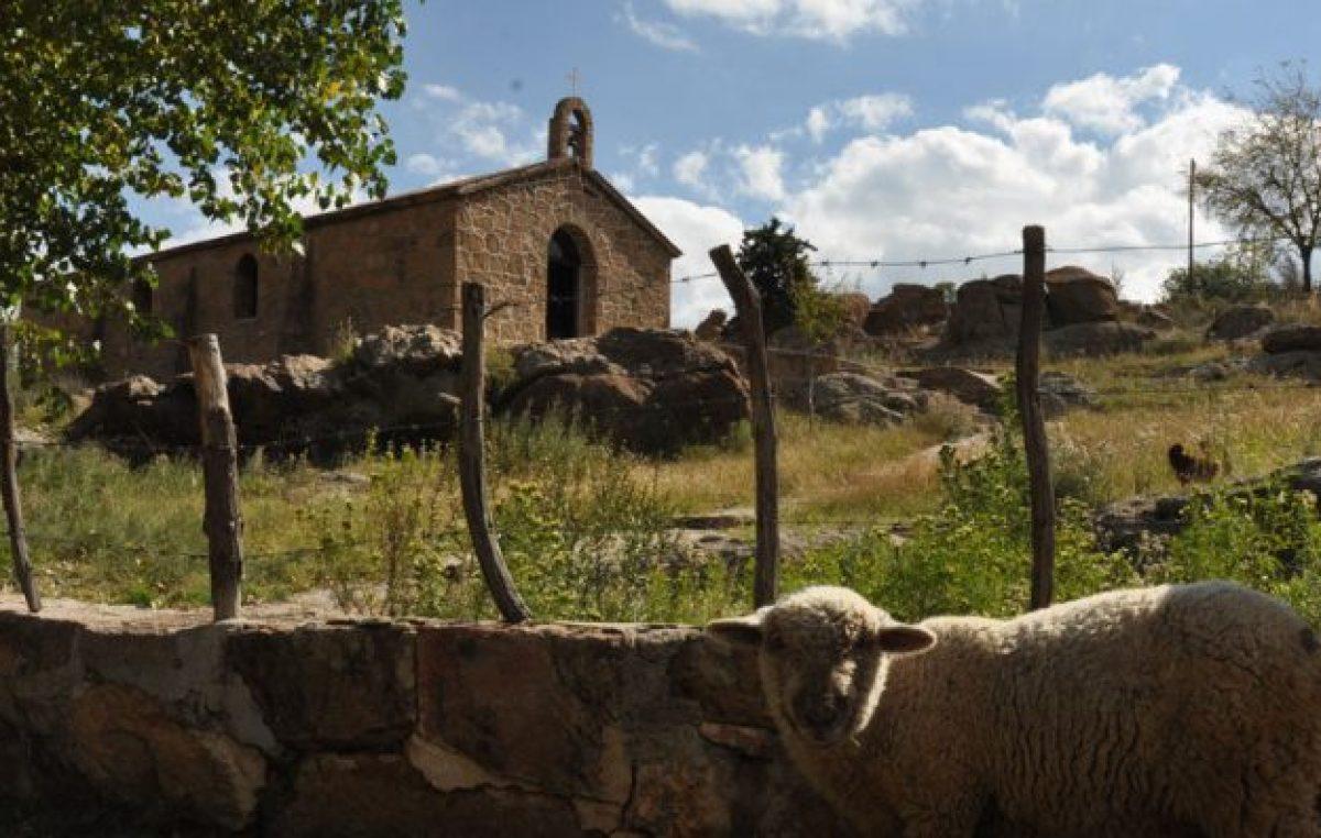 Artesanías y naturaleza en Villa Benegas