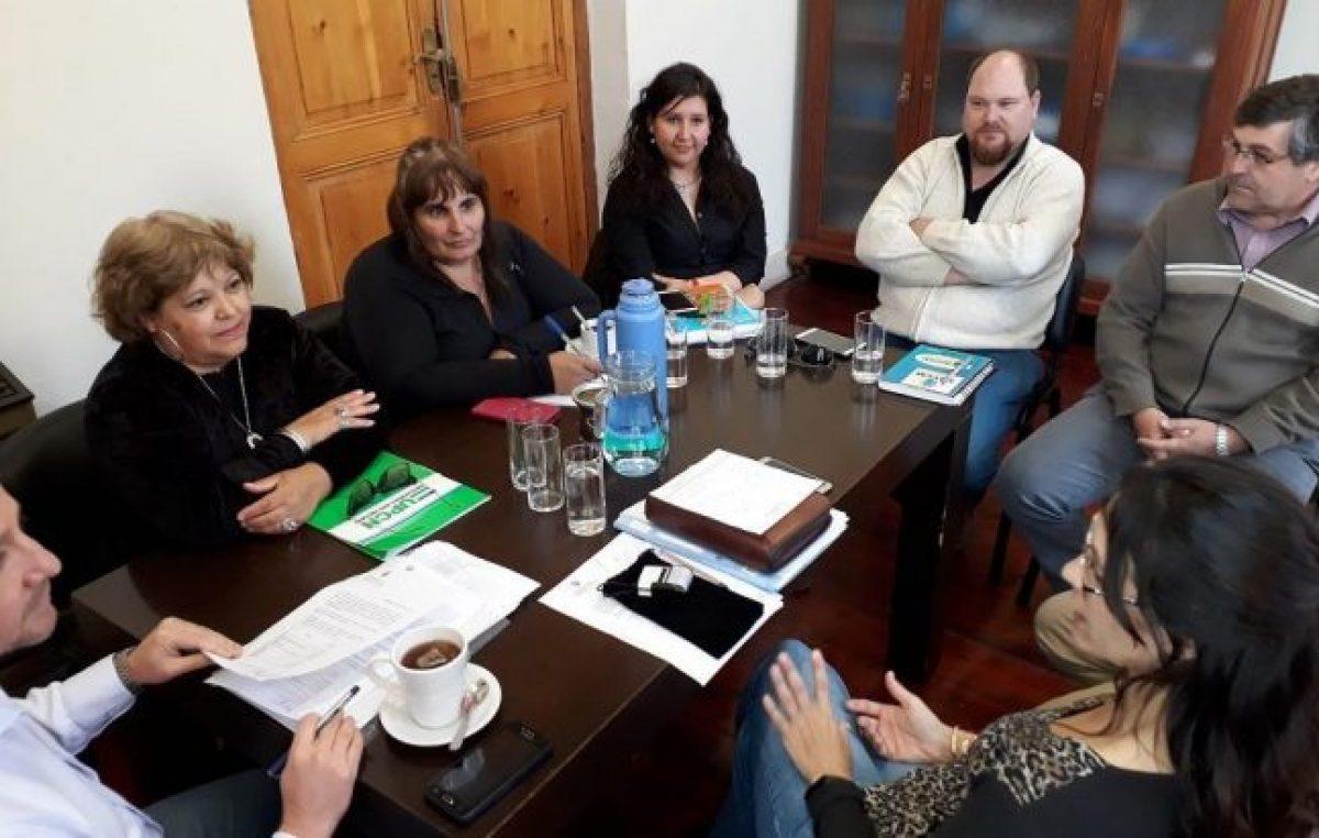 Viedma: ofrecen un 39 % de aumento a municipales