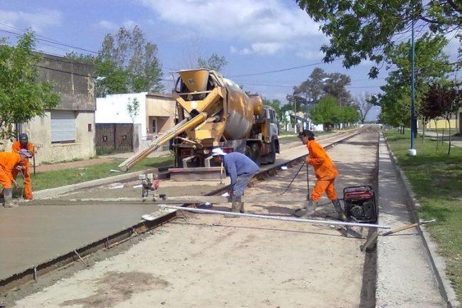 Gobierno presenta plan de pavimento urbano para municipios y comunas santafesinas