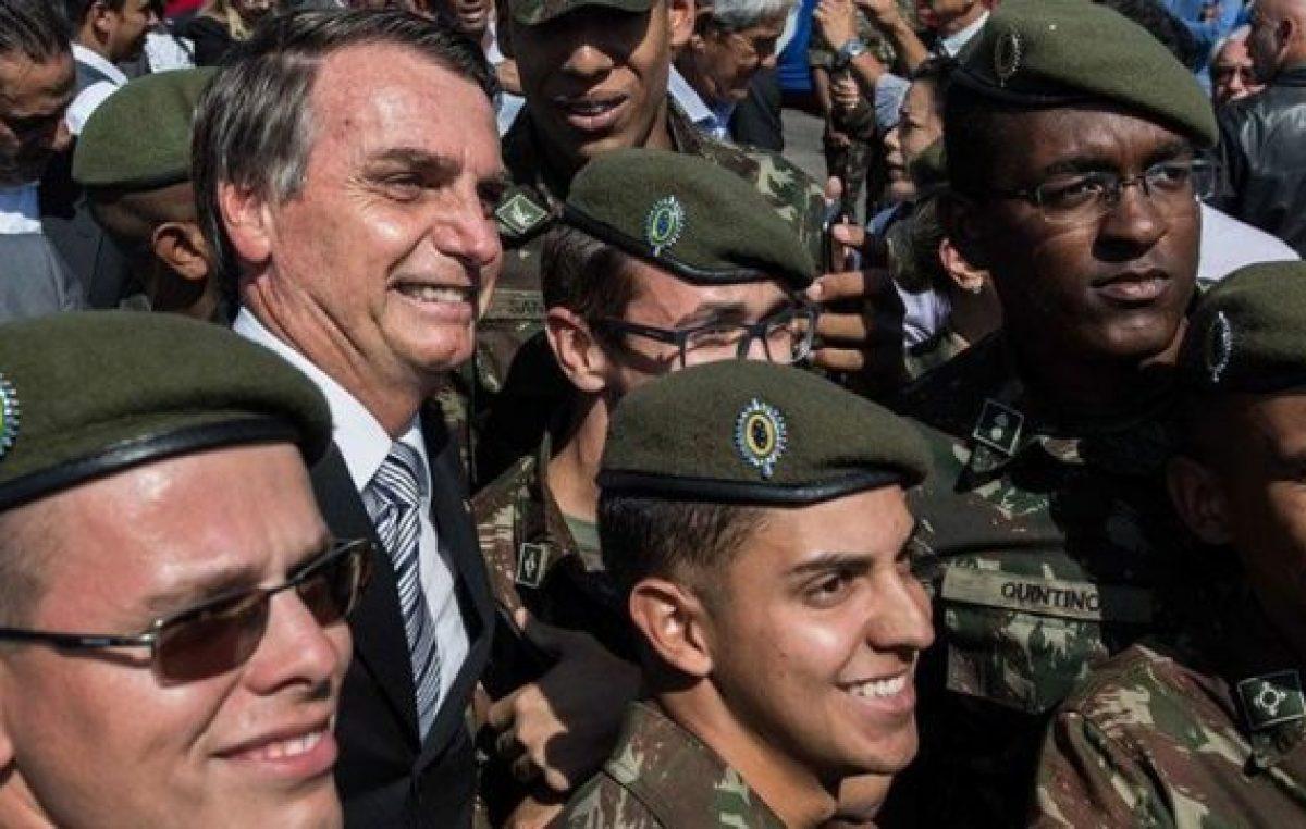 Bolsonaro destaca el rol de las FF.AA.