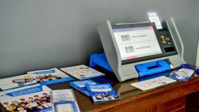 Neuquén sale a capacitar a los municipios en el voto electrónico